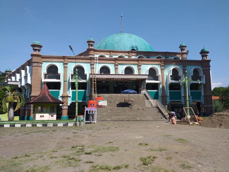 Masjid Agung Sumber Mulai Direnovasi